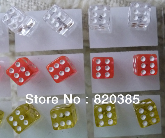 Min order is usd15(mix order)free shipment fashion jewelry colourful dice acrylic  stud earrings