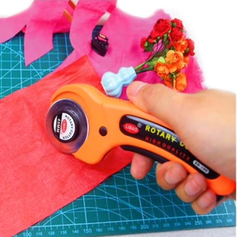 New sale Rotary Cutter Premium Quilters Sewing Fabric Cutting Craft Tool EC059