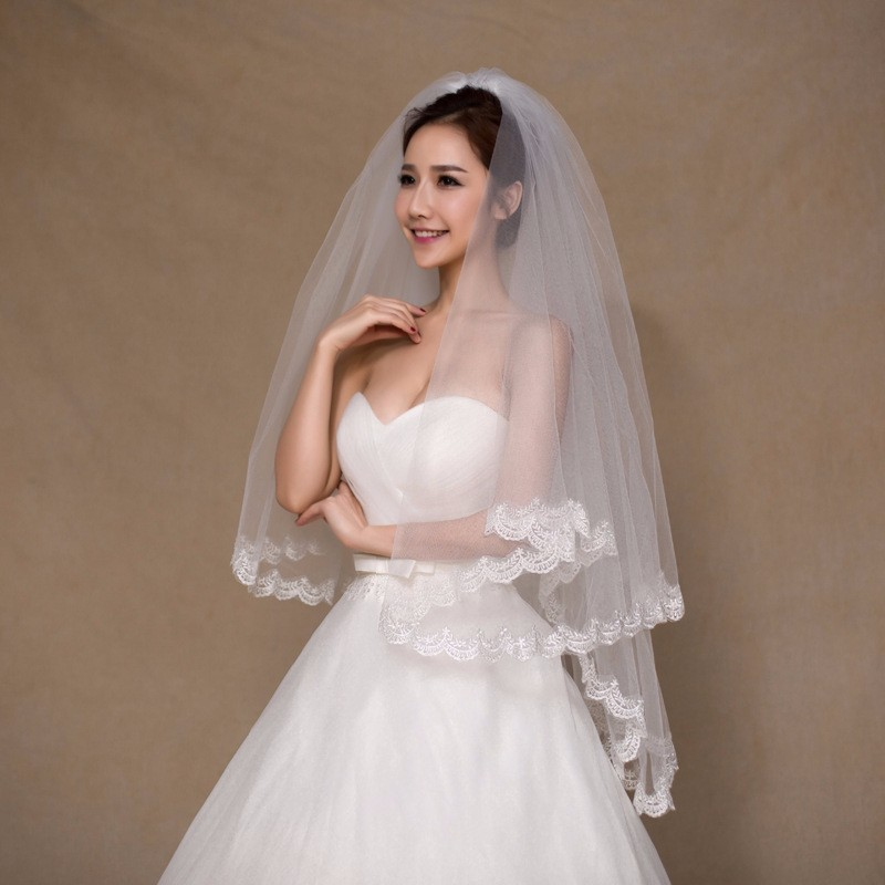 Stock White Ivory Short Bridal Veil With Comb Applique