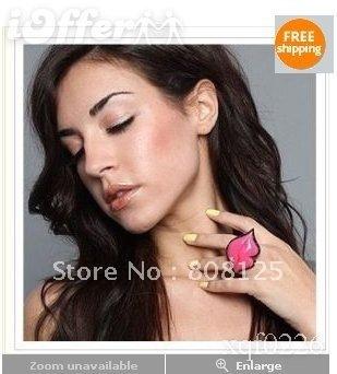 Free Shipping!Pink Lips Crystal Black Ring
