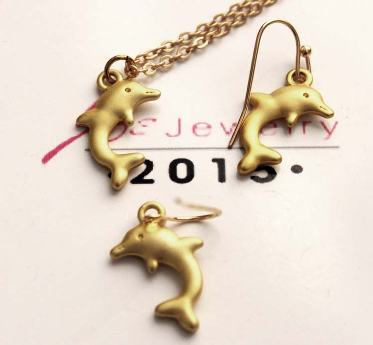 2015 necklaces pendants gold Silver Dolphin Necklaces Womkens Sea Animal Pendant Charm women jewlery gift factory
