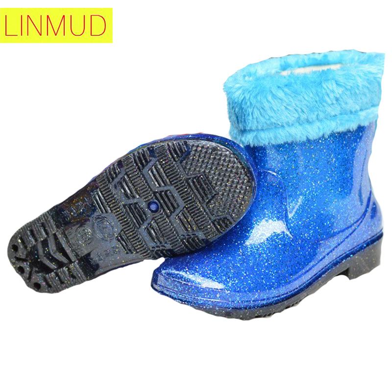 16Children Rain boots round toe rubber Waterproof anti-skid rain boots Plus hair liner fashion Flash point girls boys rain boots(China (Mainland))