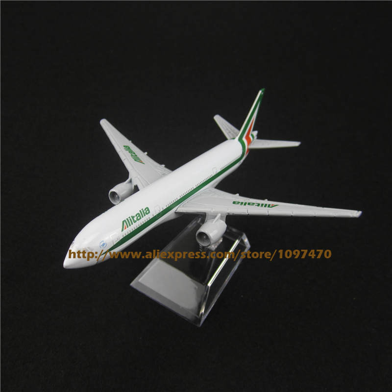 16cm Metal Alloy Plane Model Italian Air Alitalia Airways Boeing 777 B777 Airlines Airplane Model w Stand Aircraft Toy Gift(China (Mainland))