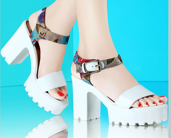 SHOES 2015 NEW SPRING SUMMER SANDAL FLOWER FABRIC AND LEATHER PATCHWORK SIZE #34-39 EUROPE SWEET STYLE(China (Mainland))
