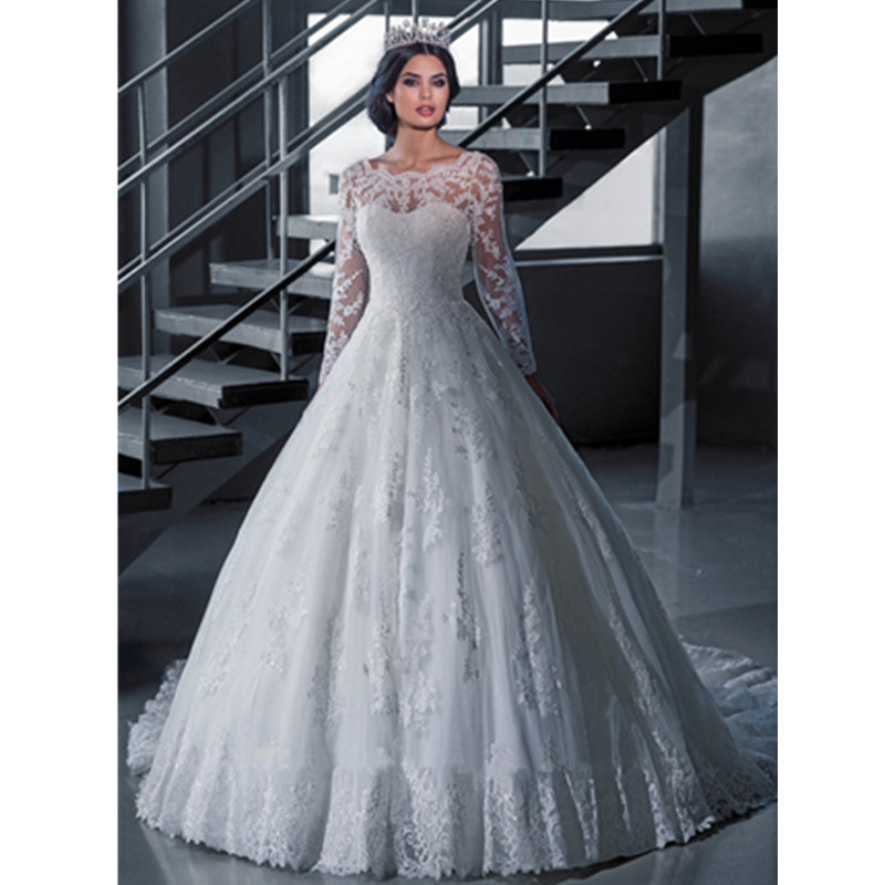 Free shipping 2015 romantic white lace a line wedding for White wedding dresses with long trains