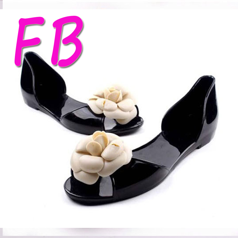 Cheap Camellia Candy Colorful Jelly Beach Shoes Designer Flat Shoes Flower Deco Fashion Plastic Sandals Fish Mouth 2016 Free(China (Mainland))