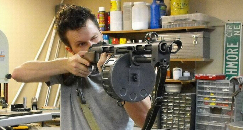 Fallout III 3 G.E.C.K. Semi Automatic Scatterload Combat Shotgun Weapons Scale 1:1 3D Paper Craft Models Super Realistic 82cm(China (Mainland))