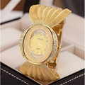 New fashion gold quartz watch famous brand women clock Elegant women Watch Luxury Bracelet watch