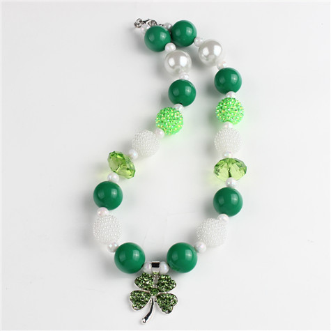 Green Clover Chunky Kids Necklace St.Patrick's Day Bubblegum Necklace(China (Mainland))