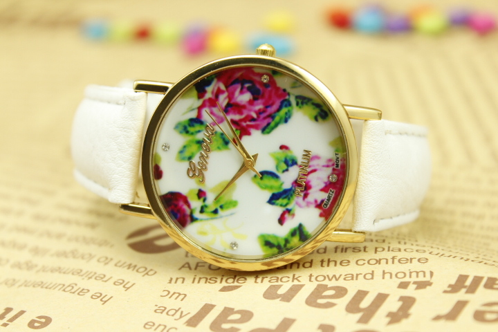 50pcs/lot New fashion quartz watch flower women dress watches, 12colors high quality leather strap watches 2014 fashion watch<br><br>Aliexpress