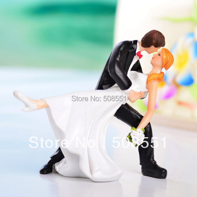 Free shipping 14*11*13cm Resin Groom Kiss Bride Funny  Wedding Cake Topper Wedding Party Cake Decoration Resin Craft