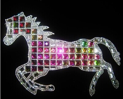 5Pcs/Lot Fashion Horse pattern Motifs Heat Transfer Iron On DIY Rhinestones strass crystal roll Wholesale(China (Mainland))
