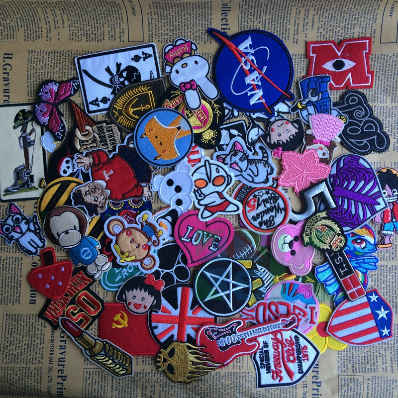 10pcs/lot Mix Army and Cartoon Embroidered Iron-on Patches for Clothes Jacket Badges Custom Football Patch DIY Accessory(China (Mainland))