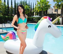 2016 Hot sale inflatable Unicorn Giant Swimming Float for Adult Pool Float Tube Raft Kid Swim Ring Summer Water Fun Pool Toy