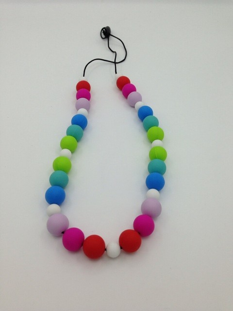 Hot rainbow colored silicone nursing teething necklace for When can babies wear jewelry