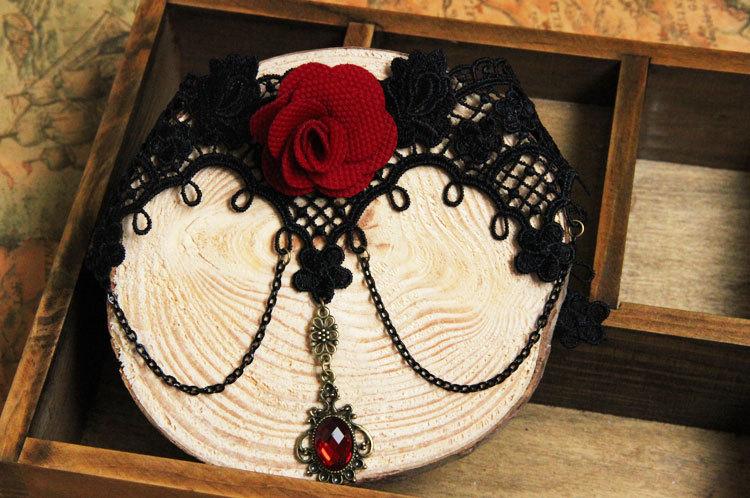 לוליטה גותית פרח רוז פרפר שחור תחרה שרשראות תליונים המלכותי חבל קולר שרשרת נשים אביזרים שווא קולר