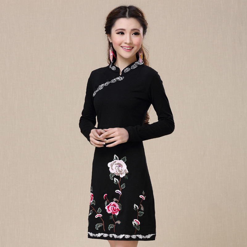 Traditional Chinese clothing 2017 women female ethnic vintage elegant long sleeve mandarin collar embroidery dress vestido CD418