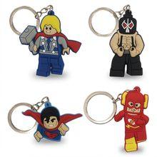 4-5 pcs Corrente Chave DO PVC Dos Desenhos Animados Figura Marvel Super Hero Superman Anime Brinquedo do Miúdo do Anel Chave Chaveiro Pingente spiderman Hulk Chave Titular(China)