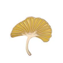 Daun Pohon Pine Cone Enamel Pin Bros Tas Pakaian Kerah Pin Ginkgo Biloba Sifat Lencana Tanaman Perhiasan Hadiah untuk Anak-anak wanita(China)