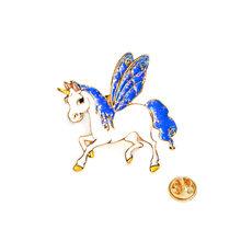 Il Nuovo 3 di Stile Dello Smalto Pony Cavallo Unicorno Spilla Cervi Spille Pulsante Colletto della Giacca Distintivo Per Le Donne Degli Uomini Del Fumetto Del Bambino animale Gioielli(China)