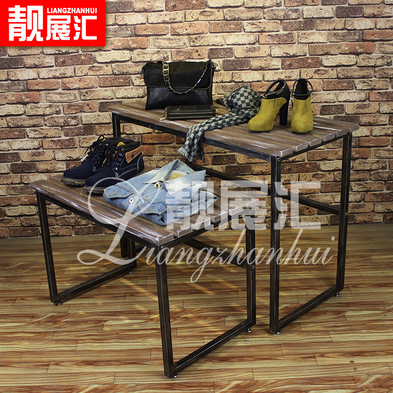 Do the old shoes, bag rack clothing store window Nakajima clothing display props floor level of the water table(China (Mainland))