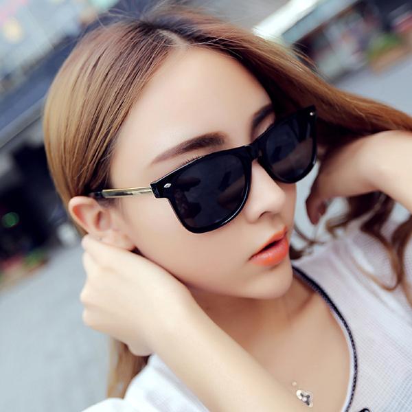 New Unisex Fashion Vintage Sunglasses Classic Brand Rivets Metal Flower Sunglasses Cheap Eyeglasses China(China (Mainland))
