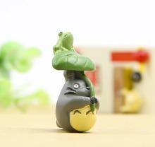 Japan Anime Kawai My Neighbor Totoro Resin Figure Figurine Classic Chinaware Totoro With Lotus Leaf Garden Fairy Ornament Toy