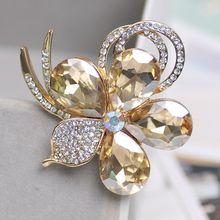 Fiore di cristallo Spille Coreano Semplice Perla Carino Spilla Accessori Kpop Spille per Le Donne Spilli Dello Smalto Spille delle Donne dei monili(China)