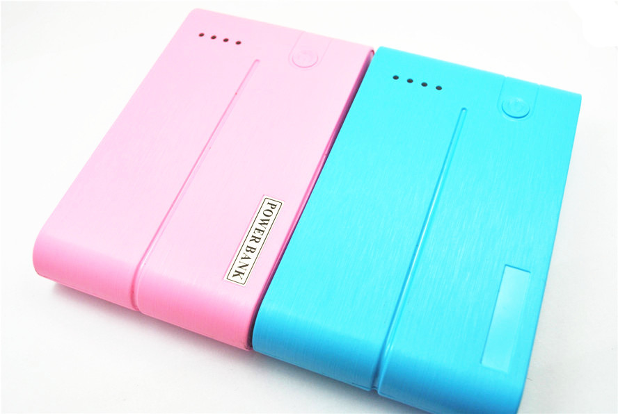 Manufacturers selling high-capacity card case shape mobile power 15000 mah with retailbox and cable(China (Mainland))