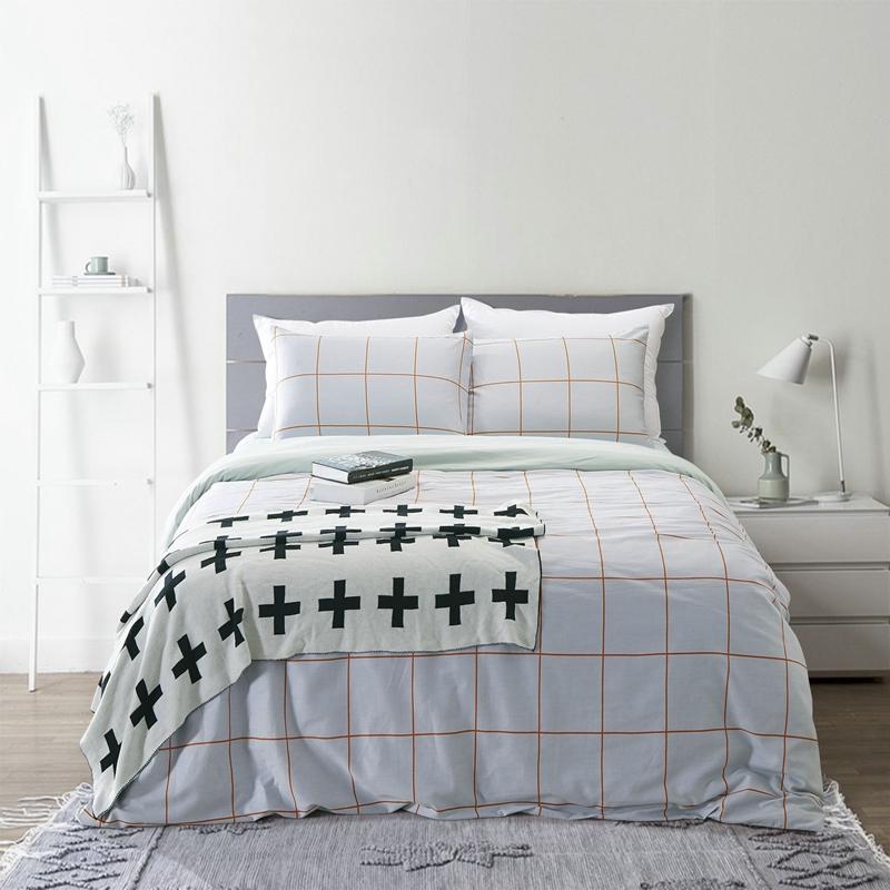 Brief fresh cotton 100  duvet cover set queen king size bed linen bedding  set high quality light blue striped pattern coverlet. Online Get Cheap Blue King Coverlet  Aliexpress com   Alibaba Group
