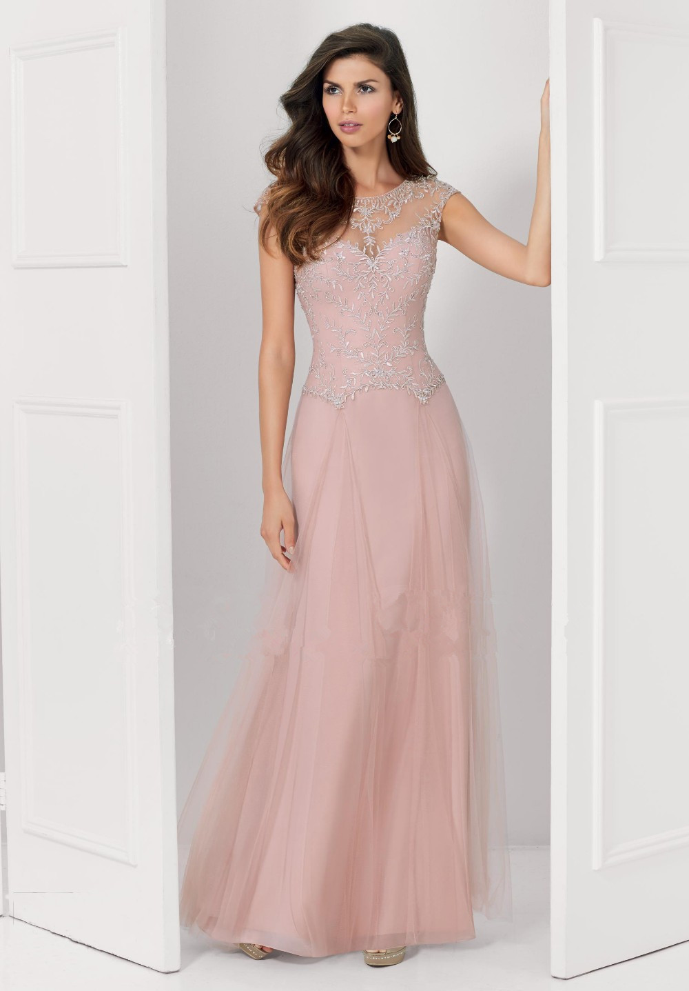 Simply Elegant Dresses | Wedding Tips and Inspiration