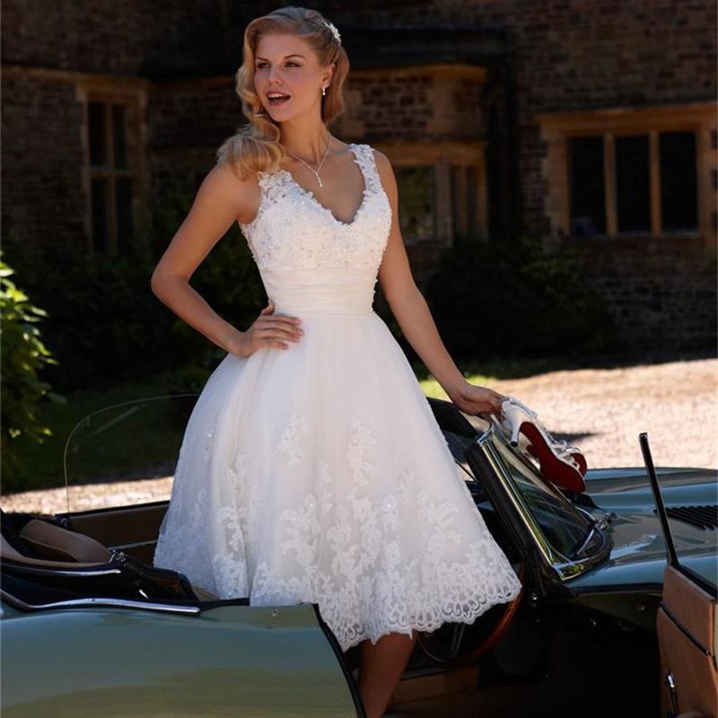 Retro white lace short wedding dress 2016 sexy beach knee for Knee length beach wedding dresses