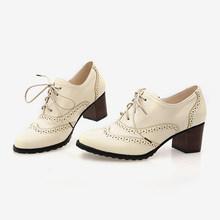 Neue Herbst Frauen Flach Brogue Schuhe Vintage Chunky Ferse Cut Out Oxford Schuhe Lace Up Weibliche Mode Elegante Damen Kurze boot(China)