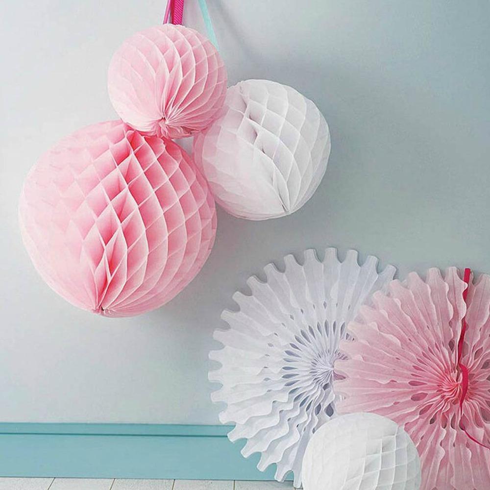 Бумажными шарами-сотами своими руками