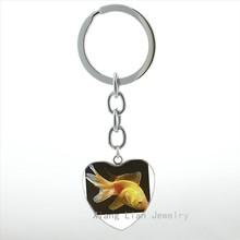 Mais recente chegada peixinho ryukin coração pingente chaveiro mulheres engraçado bonito dos desenhos animados linda sereia com peixinho HP360 do anel chave de cadeia(China)