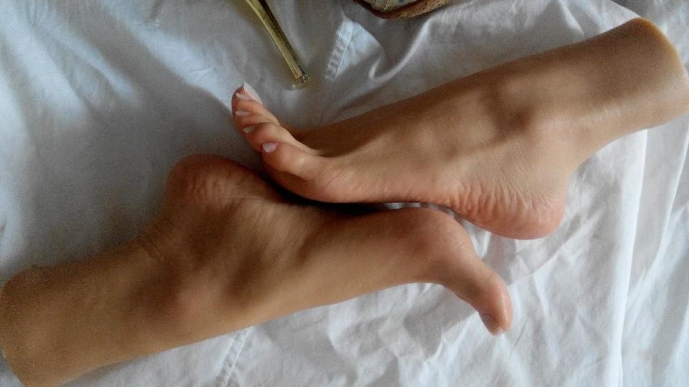 lesbiche piedi dominazione