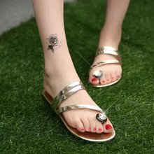 2016 Summer Style Women Thong Rhinestone Gold Gladiator Sandals Flats Flip Flops Beach Slippers Shoes Crystal Plus Size 35-41