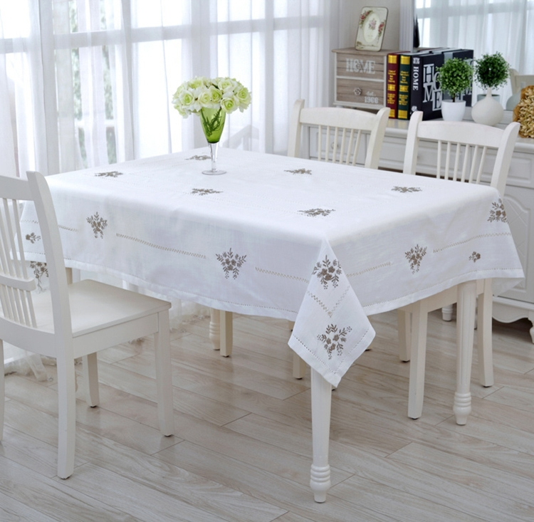 New White Delicate Hemstitch Embroidery Tablecloth Elegant Embroidered Table Cloth Overlays Home Decor Towel Textiles(China (Mainland))