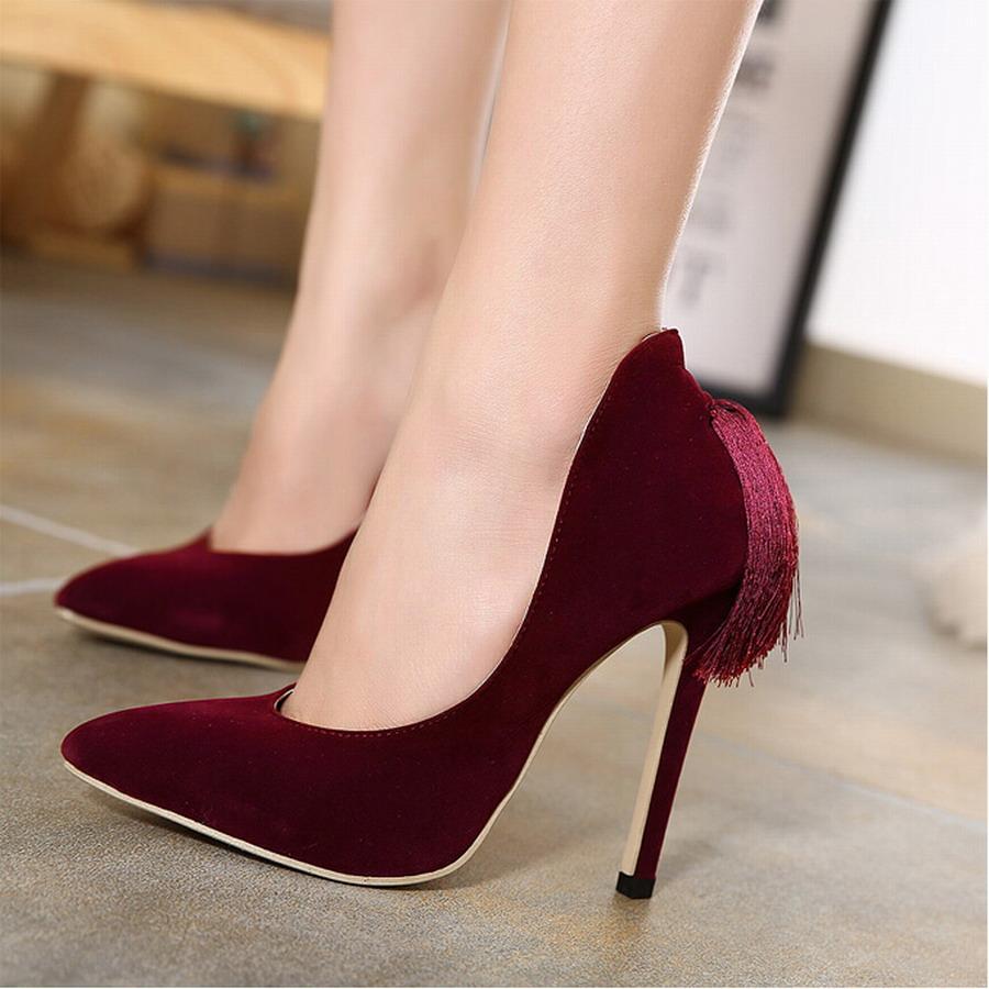 Black high heel less shoes 8