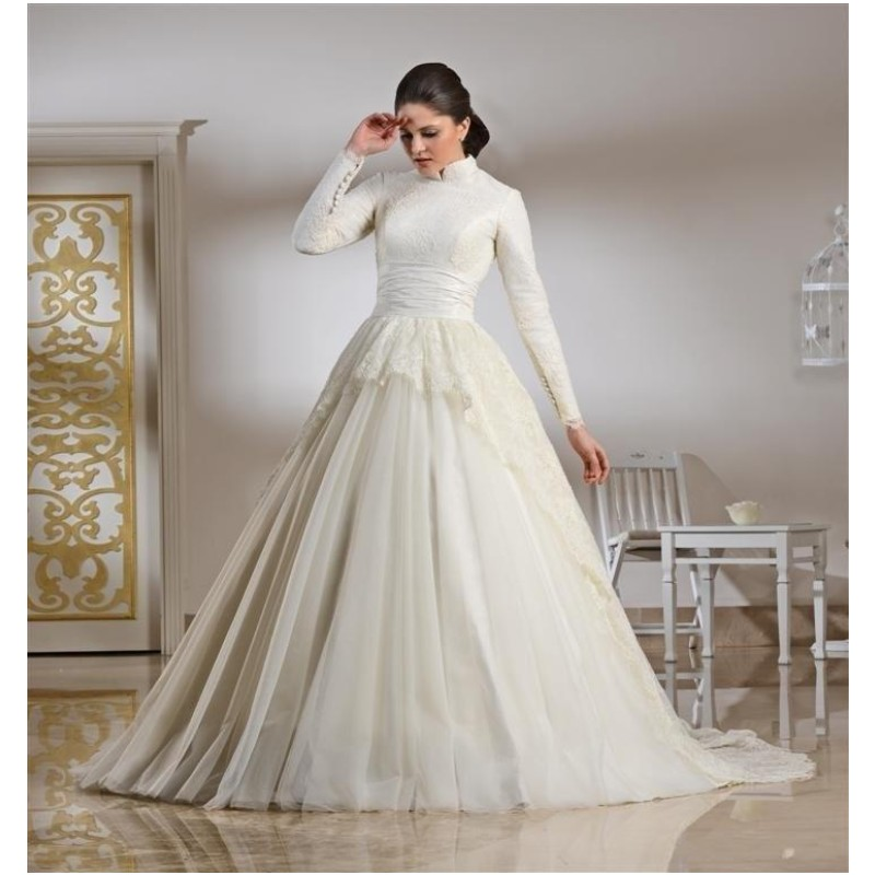 Modest Design Muslim Wedding Dresses Long Sleeve With Buttons Chepal Train Bridal Gowns Lace