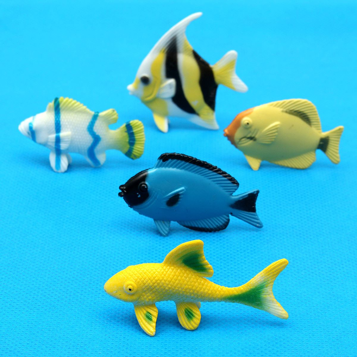 12 pcs Assorted Ocean Pet Figures Party Toy Gift Small Size Sea Life Model Toys PVC Pool Fish Toy Early Education Marine Animals(China (Mainland))