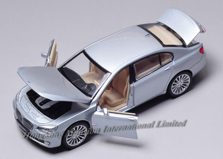 New 132 Car Model For BMW 760Li (18)