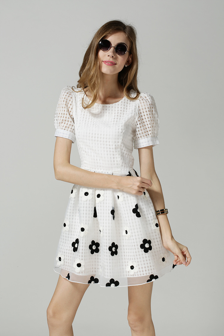 Short Sleeve Casual Dresses
