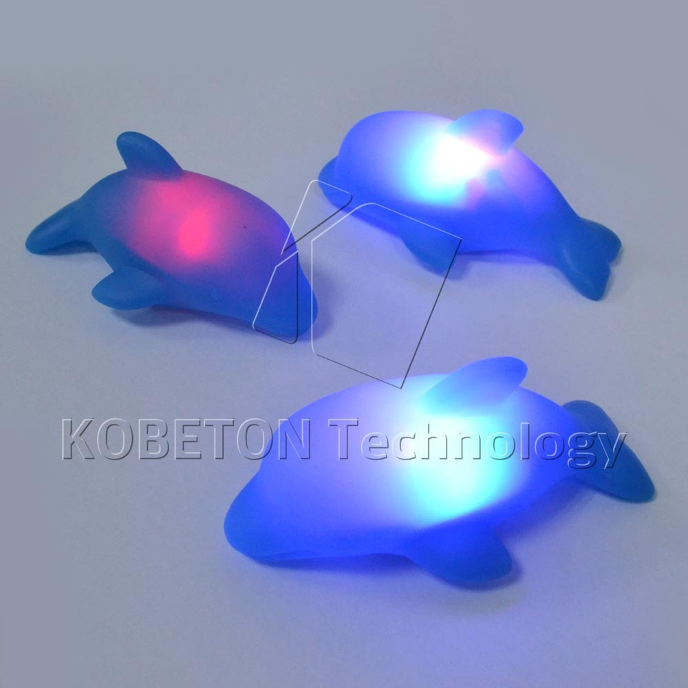 2015 New LED Dolphin Light Lamp Flash Lighting Toys Lovely Baby Kids Bath Bathroom Toy Blue Rubber Led Change Multi Colors(China (Mainland))