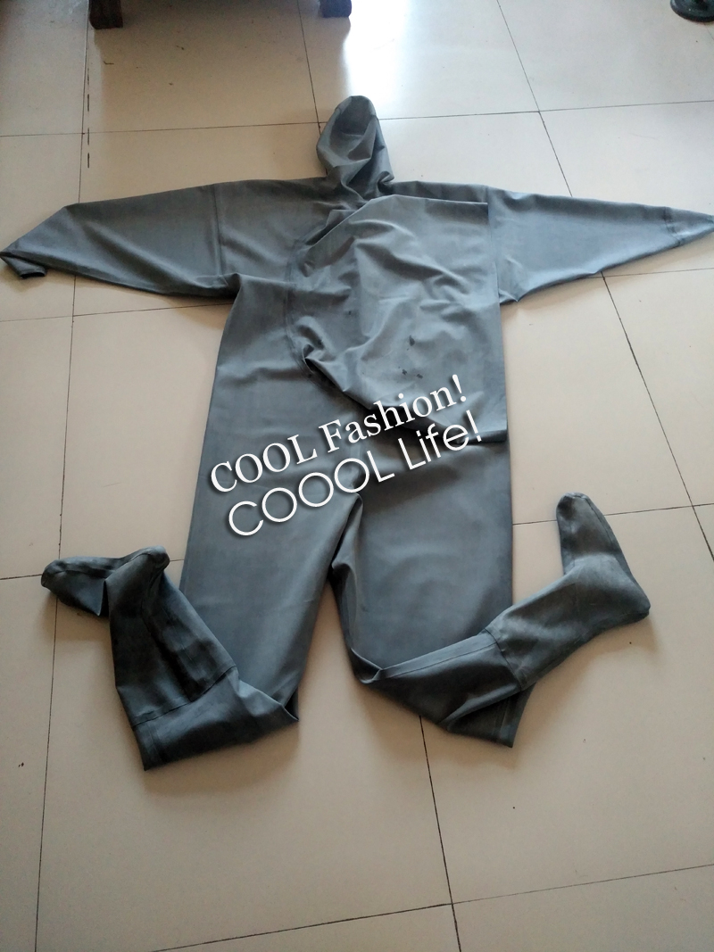 Black Rubber Chest Waders 3