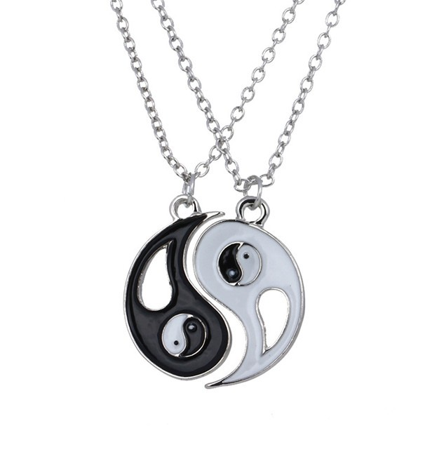 2015 New Arrival Fashion Alloy Necklace Yin Yang Tai Chi Pendant Necklace Black And White Couples Necklace(China (Mainland))