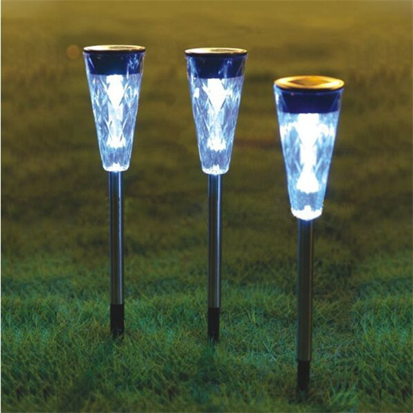 Hot Sale Waterproof Outdoor Solar Power lawn Garden lamps LED Spot Light Garden Path Stainles Steel and Plastic(China (Mainland))