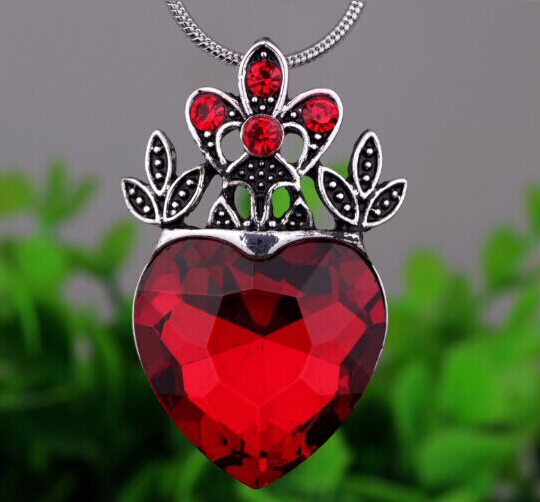 Silver Plated Crown Necklace Jewelry Descendants Necklace Heart Crown Gift YPQ0552(China (Mainland))