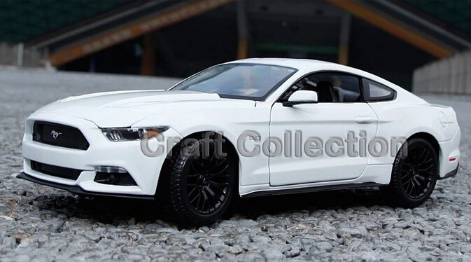 1/18 Ford Mustang GT Alloy Model Car Hot Selling Auto Gifts Miniatures Gifts(China (Mainland))