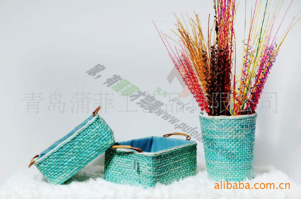 Manufacturers Clearance corn bran \ corn leaf baskets hand-woven straw baskets storage baskets with low-carbon green home(China (Mainland))
